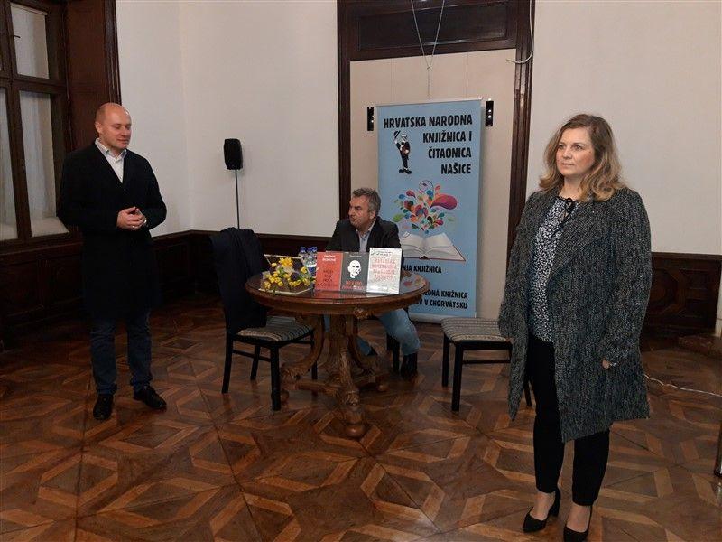 Tihomir Dujmović u Našicama predstavio svoje knjige