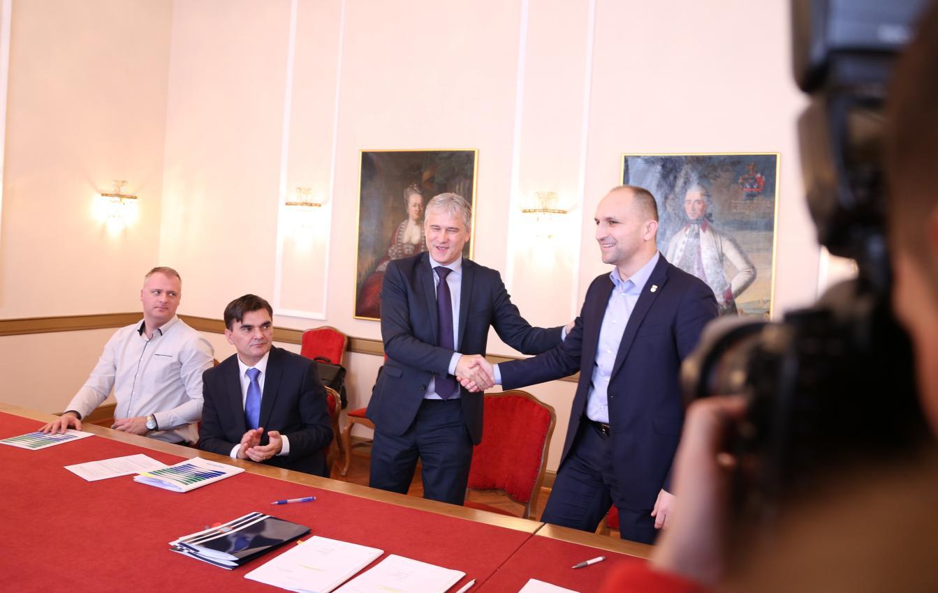 Potpisani novi ugovori za izgradnju sustava navodnjavanja