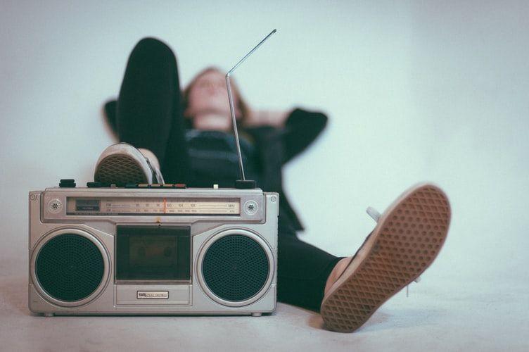 Danas je Svjetski dan radija!