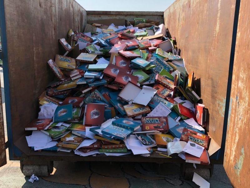 Pomozimo im da napune kontejner