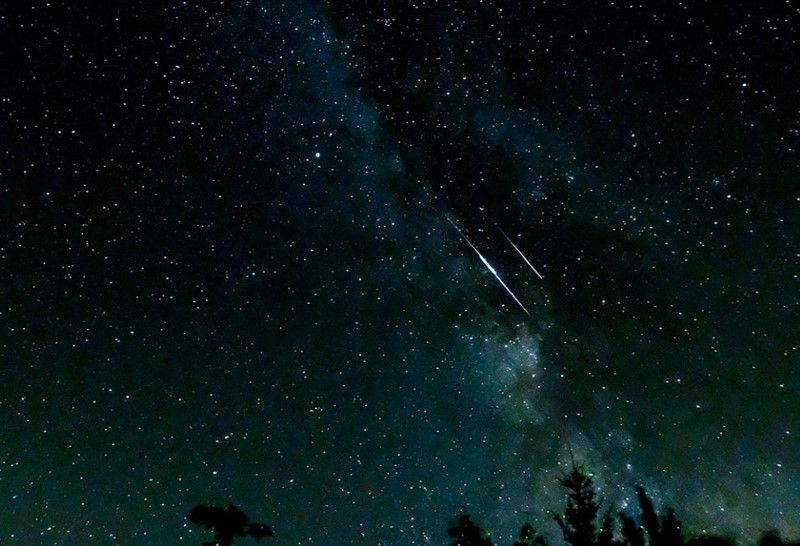 Večeras i do 100 meteora u sat vremena