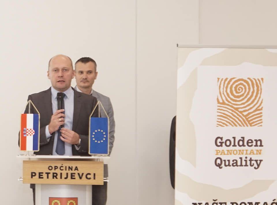 """U Valpovu održana početna konferencija projekta """"Naše domaće"""""""