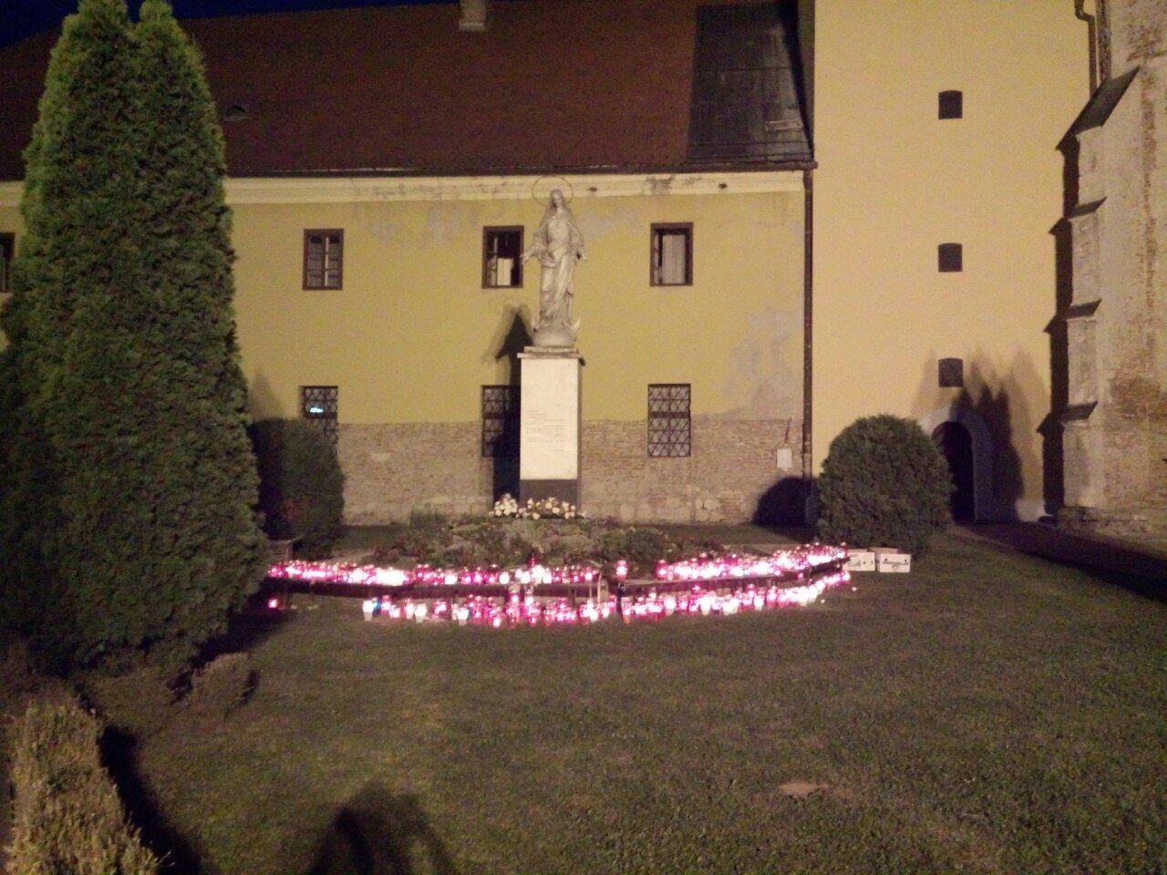 """Sutra (subota) """"DarNa""""organizira paljenje prve adventske svijeće"""