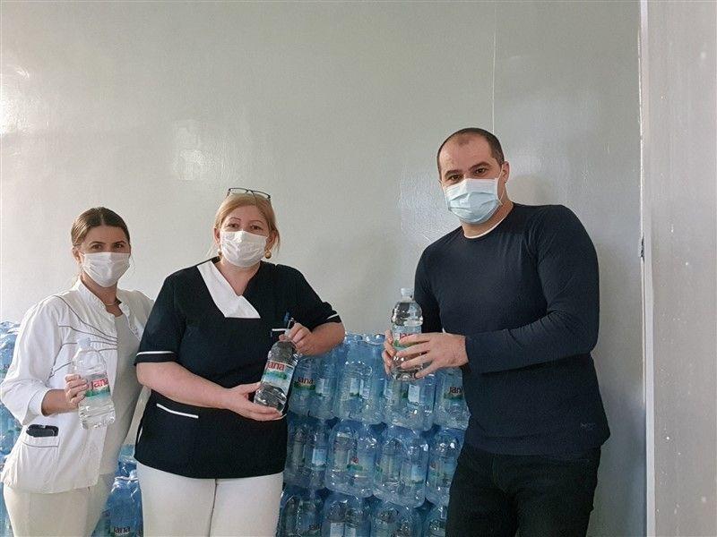 """1500 bočica """"Jane"""" za našičku bolnicu"""
