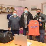 Prijenosna računala i sportska oprema donirana nogometnim klubovima Lađanska, Lila i Croatia