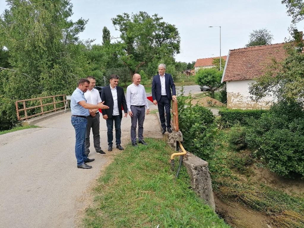 Zamjenik župana i generalni direktor Hrvatskih voda obišli naselja u Općini Donja Motičina koja su pretrpjela štete od poplave